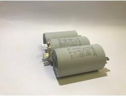 Kondensator silnikowy 18uF...